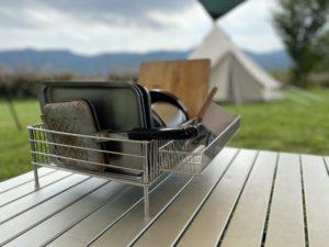 キャンプで使うlabaseの水切りカゴ